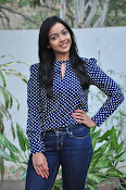 Nithya Shetty dazzling photo shoot-thumbnail-3
