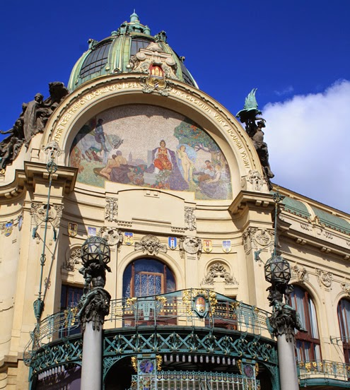 Art Nouveau Prague | Happy in Red