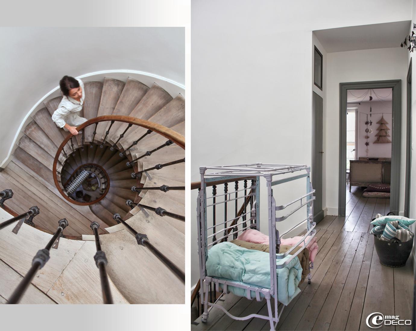 Escalier tournant en bois dans la maison de Béatrice Loncle à Agen,