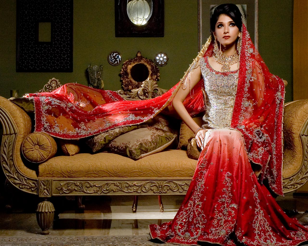 New bridal dress fashion 2011 pakistani bridal collection delivery latest fashion trends Pakistan fashion and style collection