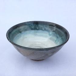 エメラルドグリーンとリングの飯茶碗