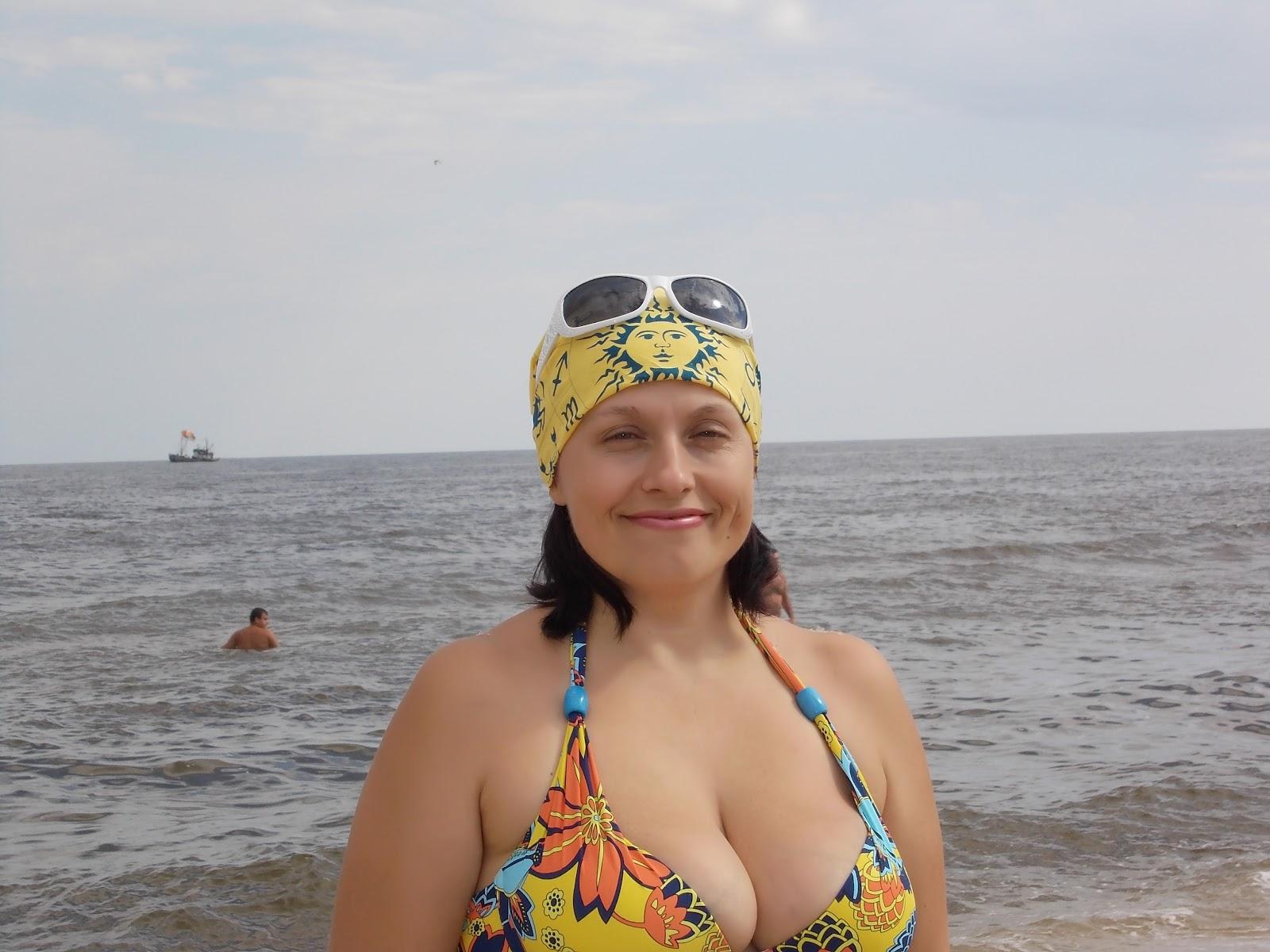 Сестра на море фото 1 фотография
