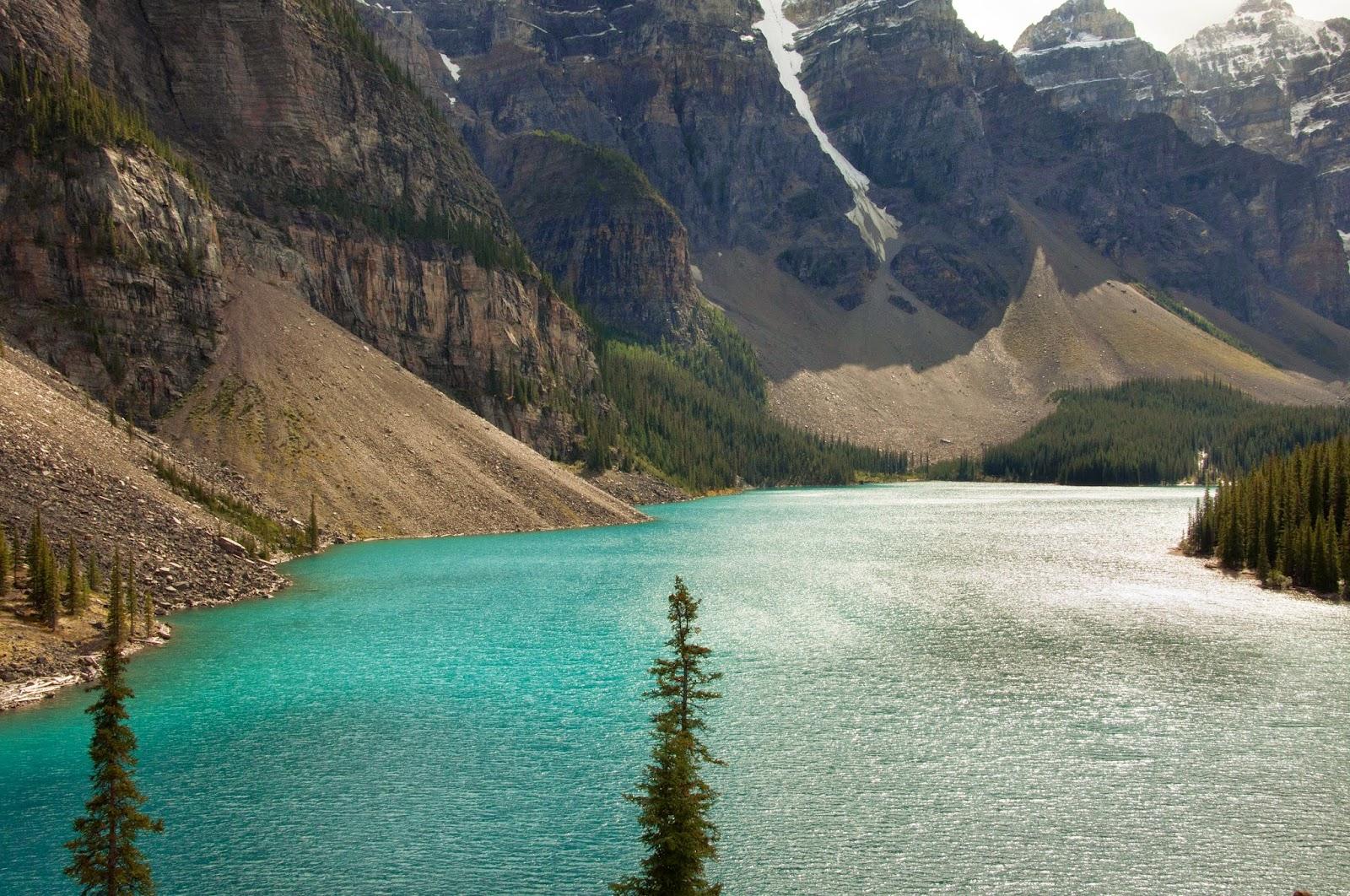 moraine lake in canadian rockies, alberta, canada