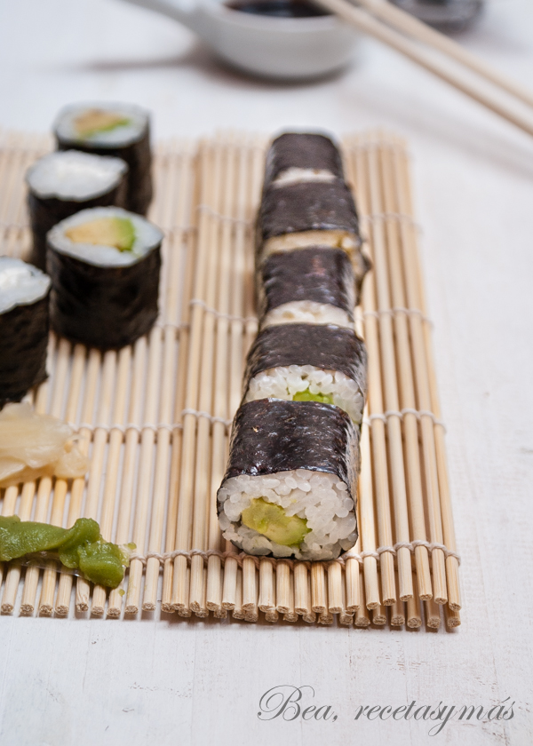 Maki_sushi_makizushi