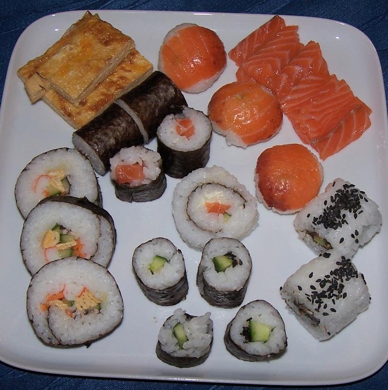 lecker bentos und mehr es gab mal wieder sushi. Black Bedroom Furniture Sets. Home Design Ideas