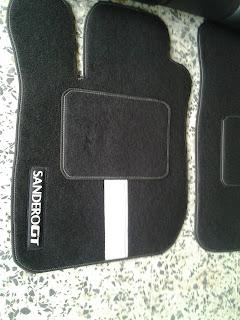 http://autoalfombras.blogspot.com/2011/01/tapiceria.html