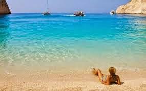 Ξέχνα ότι ήξερες για τις ελληνικές παραλίες: Γιατί αυτό το καλοκαίρι θα είναι διαφορετικό;