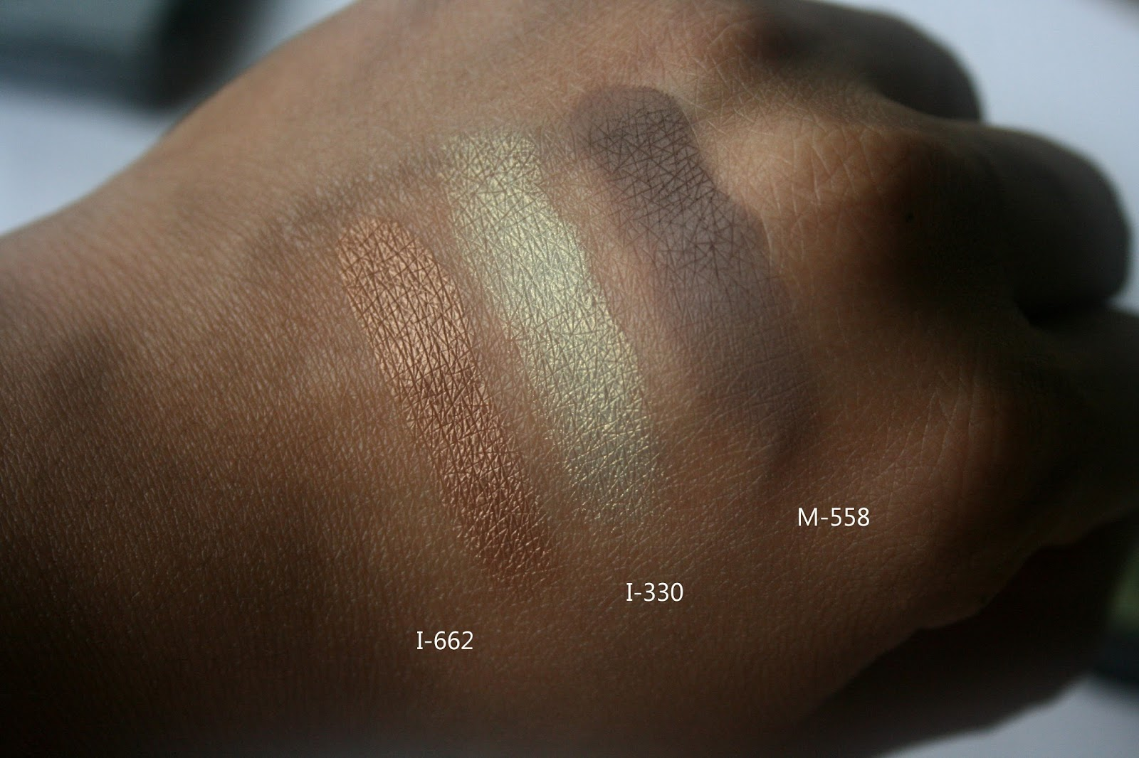 make up for ever artist eye shadows in i662, m558, i330 swatches