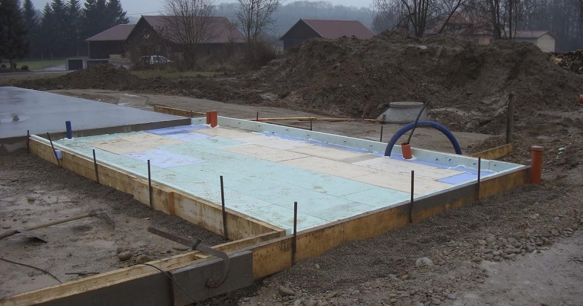 Kleine lotta unser schwedenhaus abstellraum carport for Streifenfundament carport