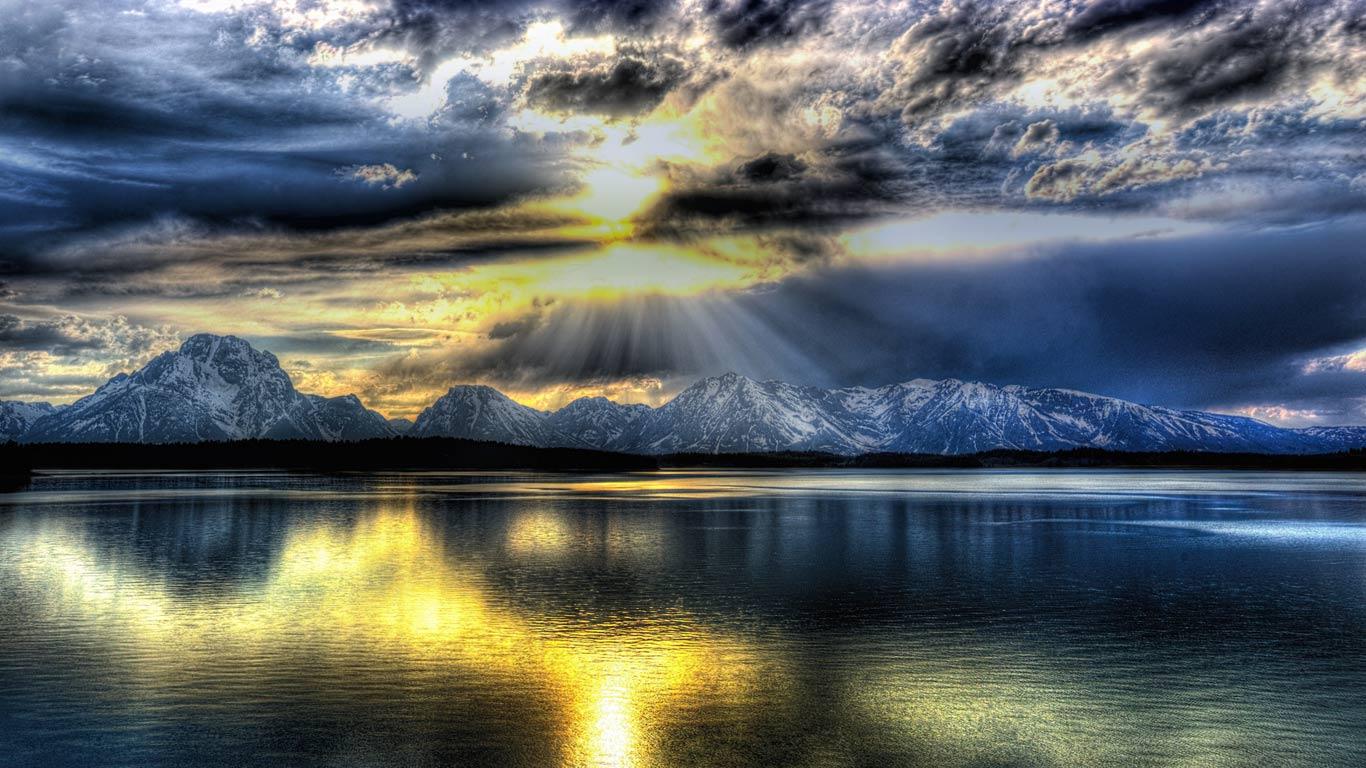 The Teton Range and Jackson Lake in Grand Teton National Park, Wyoming (© Lee Gochenour/Bing Photo Contest Winner)