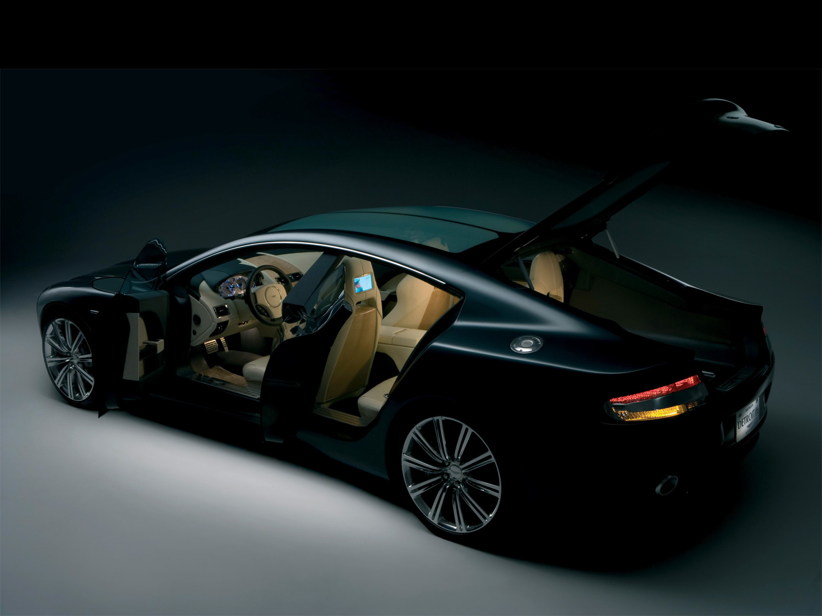 aston martin rapide images world of cars. Black Bedroom Furniture Sets. Home Design Ideas