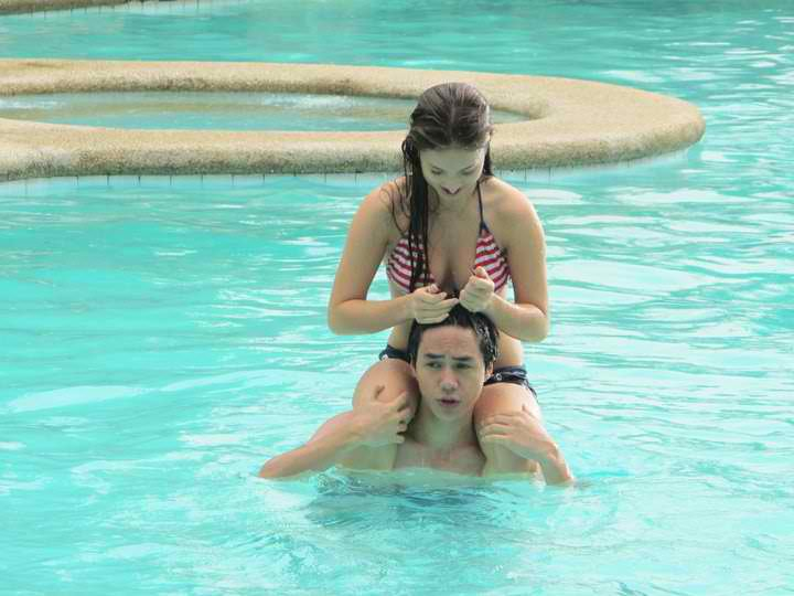 Sam Concepcion and Coleen Garcia: Pool Hotties!