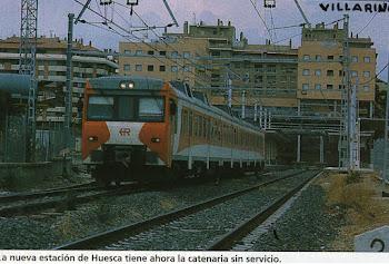 Automotor diesel saliendo de Huesca