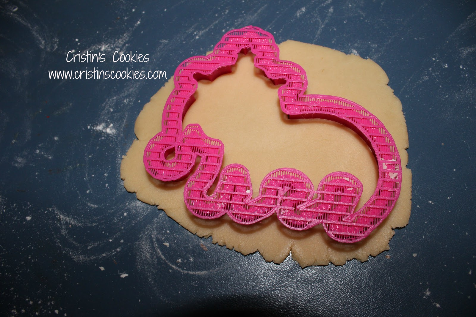 how to use cookie cutters on premade dough