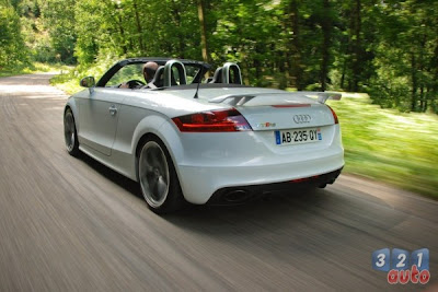 AUTO DEPORTIVO AUDI TT-RS CARRO VERSION ROADSTER