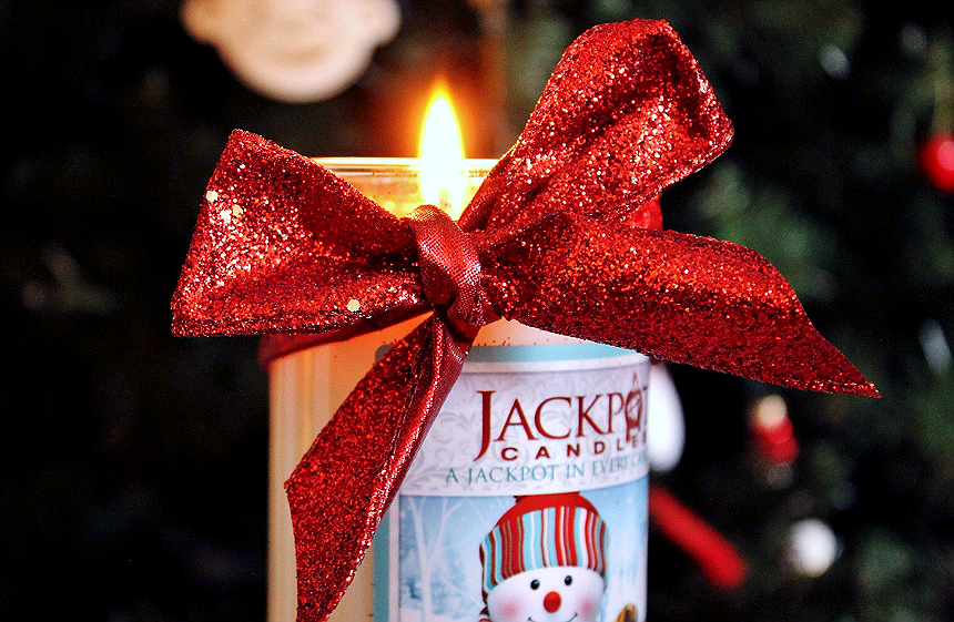 Jackpot Candles offer sized ring surprise candle gifts, or necklace and earring hidden jewelry candles in a variety of fragrances and formats perfect for gifting.