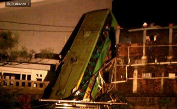 image 1 Foto & Video Kecelakaan Maut di Cisarua
