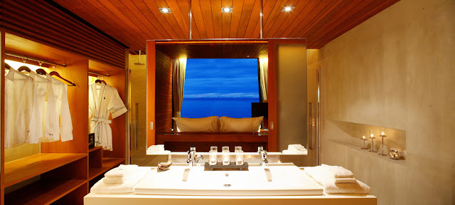 Bathroom and bedroom with the view