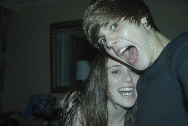 Justin-and-Caitlin-justin-bieber-9947573-604-404.jpg