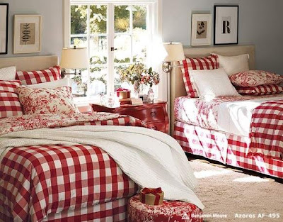 Twin Bedding Christmas Bedroom Decorating Idea