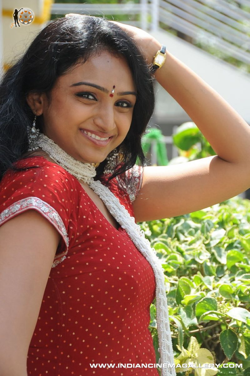 SOUTH INDIAN ACTRESS PICTURES: ANAGARIGAM MOVIE ACTRESS WAHEEDA ...