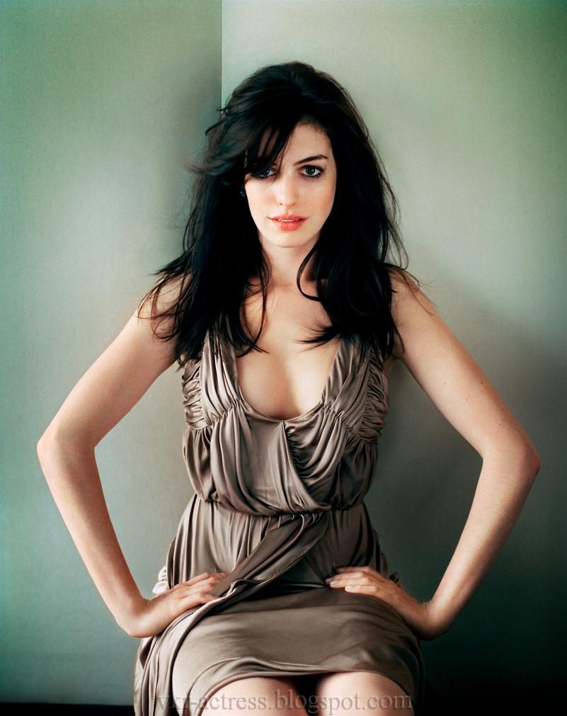 Hathaway oscar hosts 2012