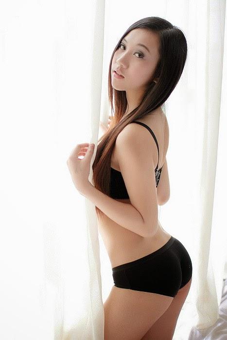 Người đẹp bikini gợi cảm quyến rủ