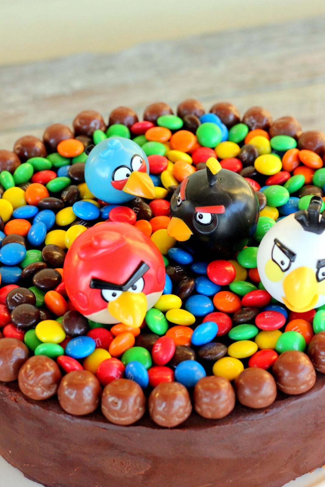 Angry Birds -synttärikakku