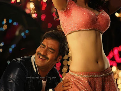 Himmatwala Item dance still with Ajay devgan and Tamannaah