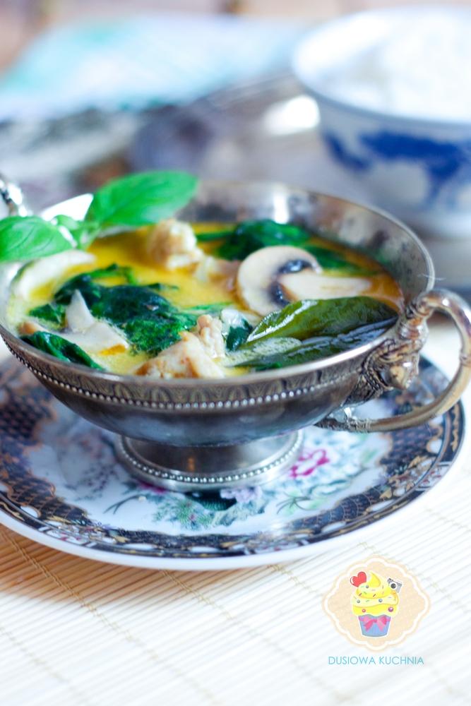 curry ze szpinakiem, curry z pieczarkami, curry na mleczku kokosowym, curry przepis, potrawka z kurczaka w mleczku kokosowym