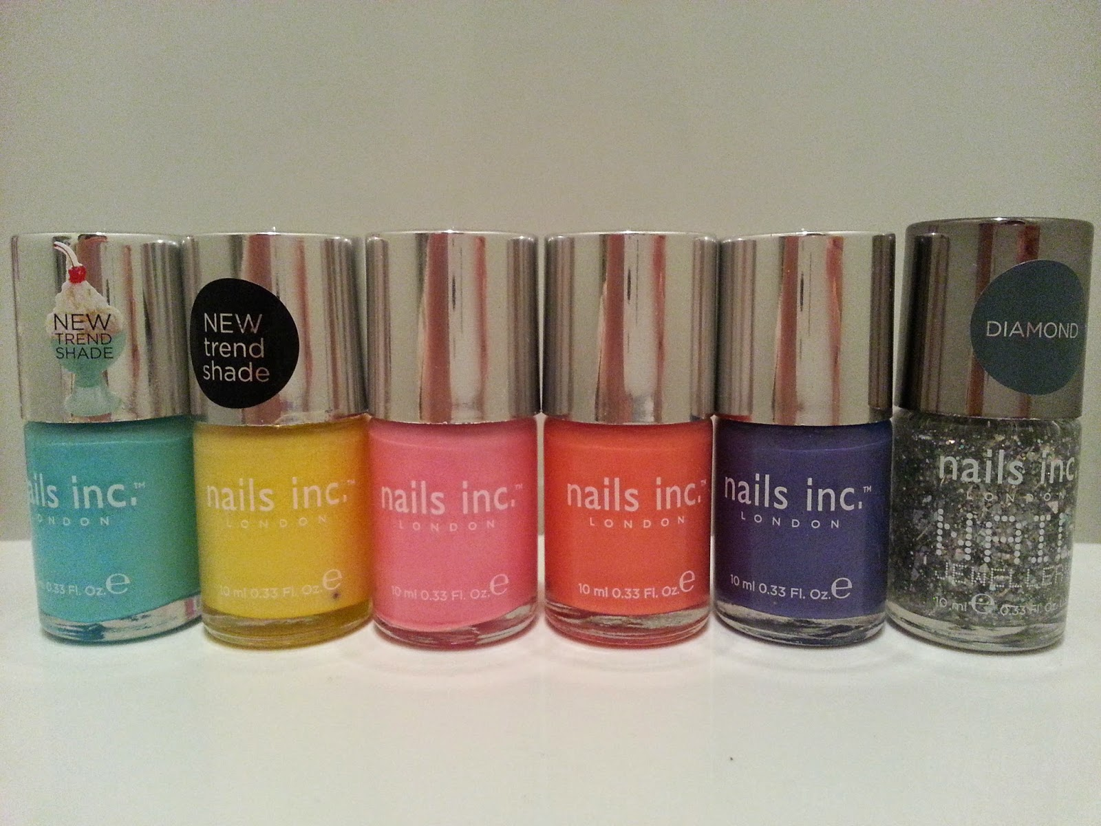 nails-inc-spring-pastel-sparkly-nails