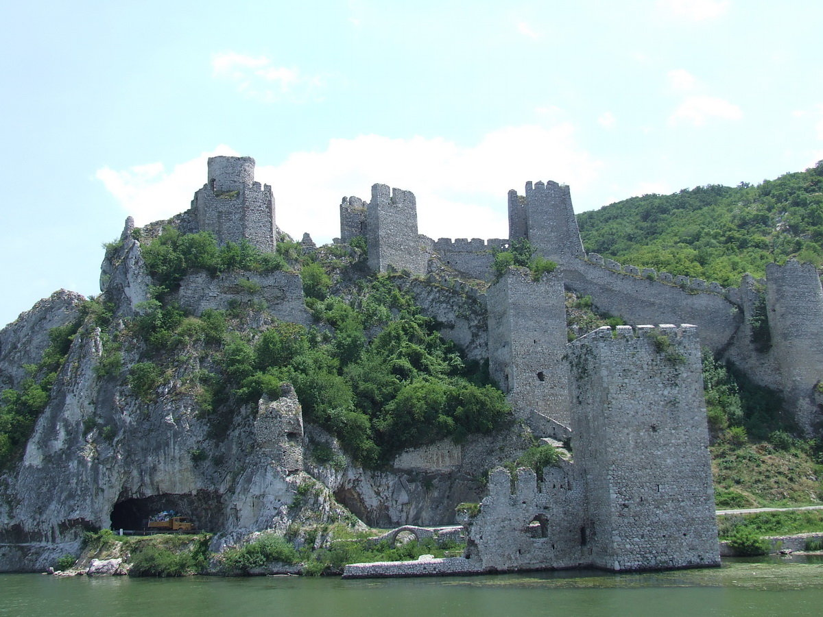 Serbia tourist destinations for Historical vacation spots in the south