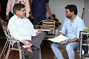 Kotha Janta Movie Working stills-thumbnail-9