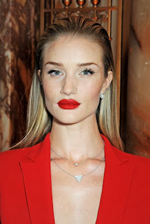 Foto Rosie Huntington-Whiteley Model Rambut 2014 Tren Baru