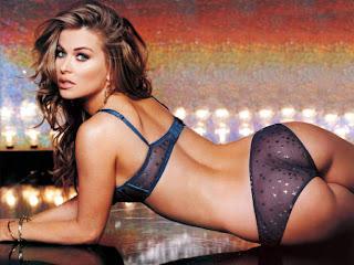 Carmen Electra Hot