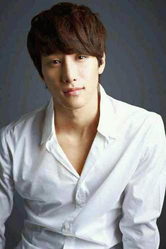 Kwak Yong Hwan