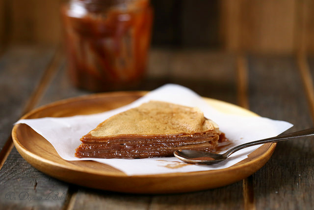 Gâteau de crêpes au chocolat ou à la pâte à tartiner