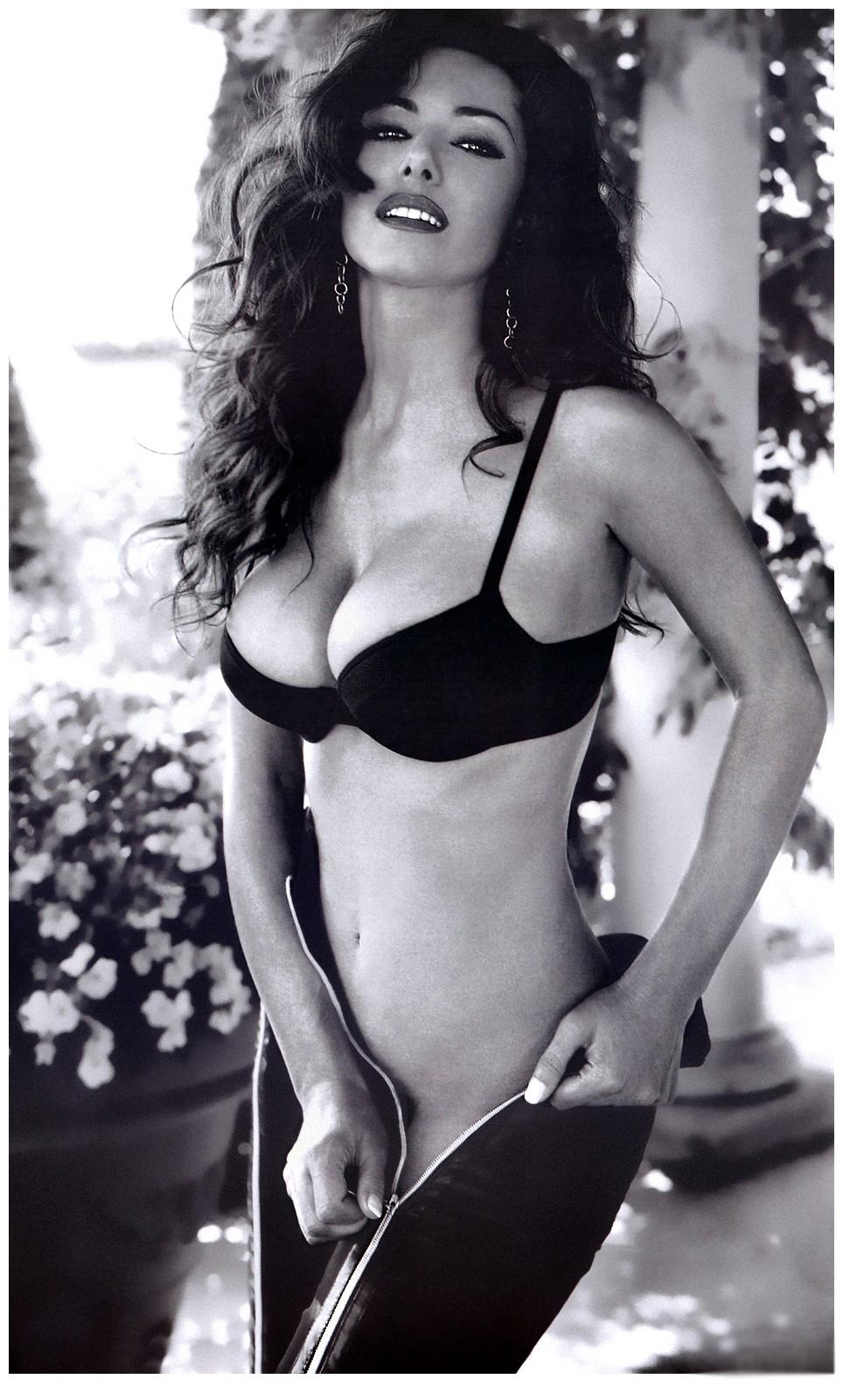 italian naked women video