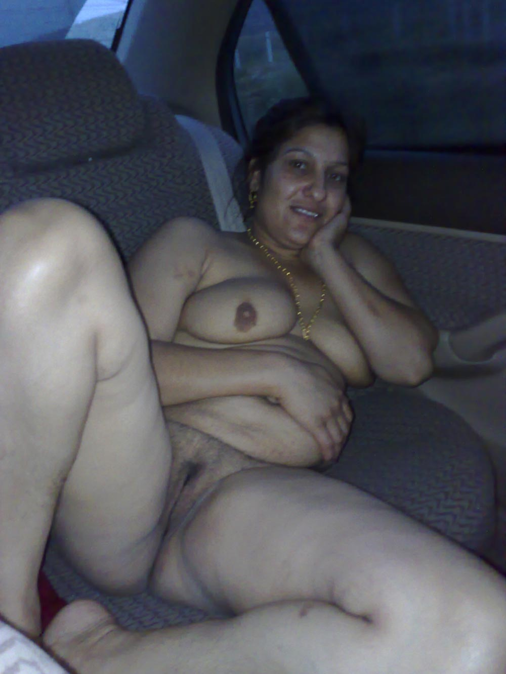nude desi old women