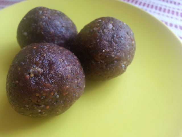 Primal and paleo friendly powerballs made with nuts, dates, and chocolate