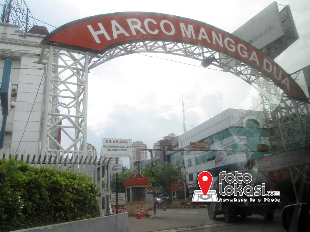 Pintu Gerbang Harco Mangga Dua | Click photo to enlarge