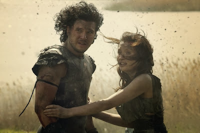 pompeii-kit-harington-emily-browning-photo