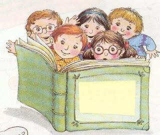 varios niños leyendo un libro