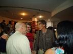 Recibiendo del escritor Vicente Batista (Carta Abierta) una mención de Honor - Noviembre 2013
