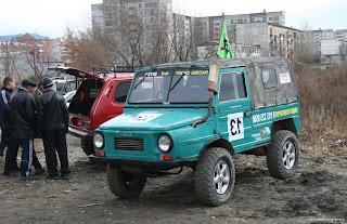 mobil offroad modifikasi