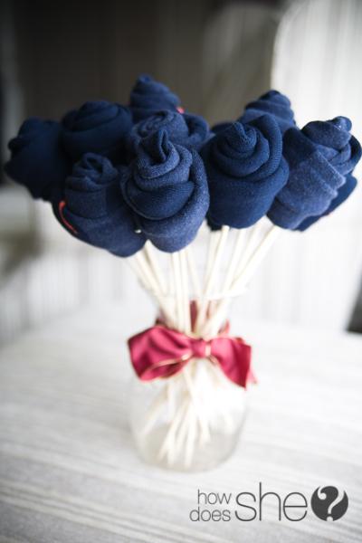 regalar calcetines en forma de flor