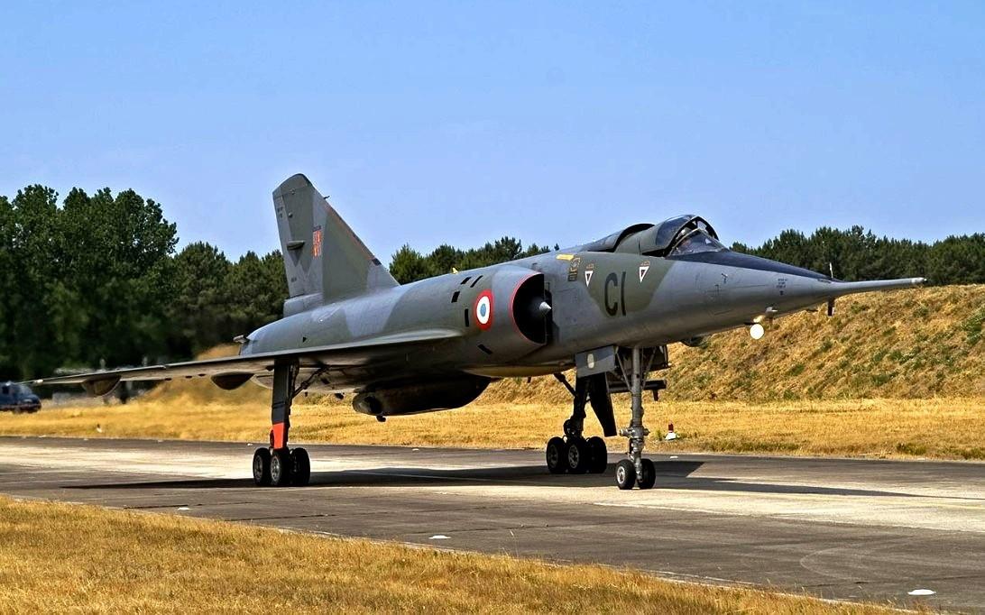 Mirage IV bomber supersonic bomber wallpaper 4