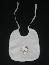 Babete de algodão pintada à mão