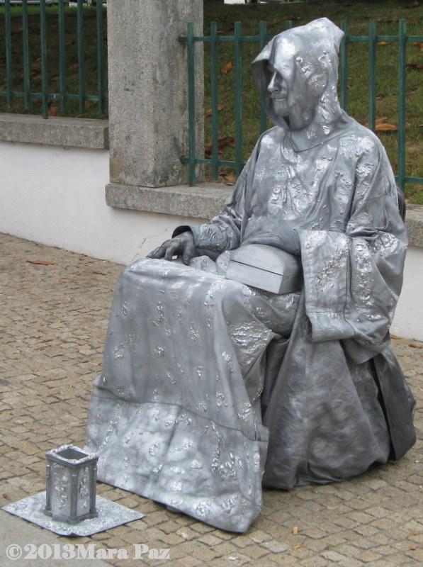 Human statue at a fair