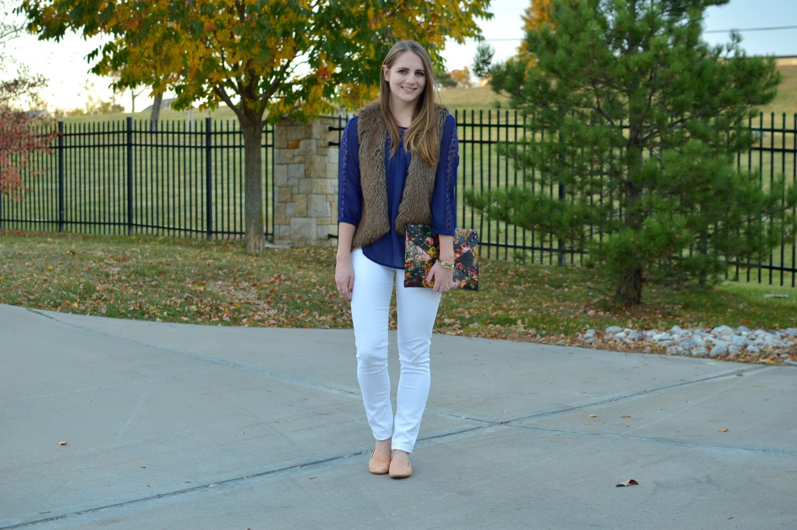 cute outfit ideas with a fur vest